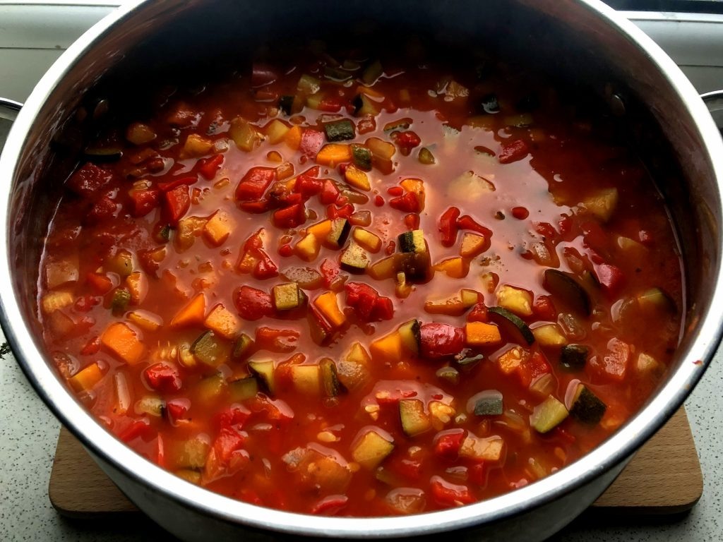 Big pot of Leczo